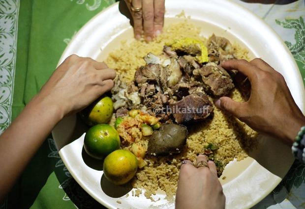 makan nasi minyak