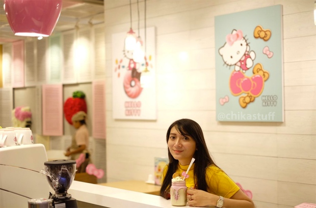 di-hello-kitty-cafe