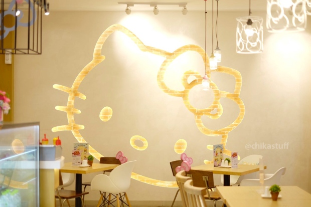 suasana-hello-kitty-cafe