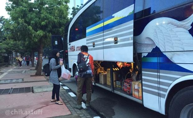 naik-bus